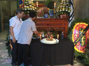 Gia đình ông C. đến chuẩn bị tang lễ cho nạn nhân