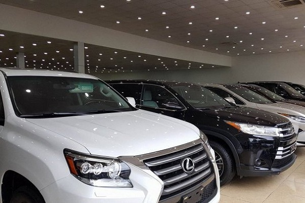 Thị trường kinh tế tăng mạnh với sự kích cầu giảm giá ô tô