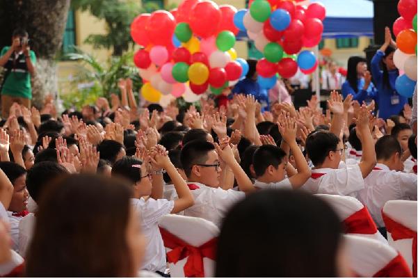 Cơ sở giáo dục tổ chức đón học sinh cấp học