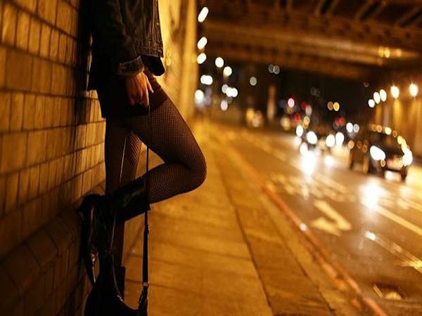 Sinh viên hoạt động mại dâm đến lần thứ 4, sẽ bị buộc thôi học