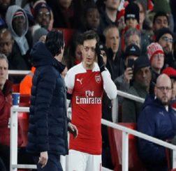 Arsenal & gánh nặng mang tên Oezil