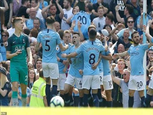 Nhận định MU vs Man City 2h ngày 25/4: San bằng Old Trafford