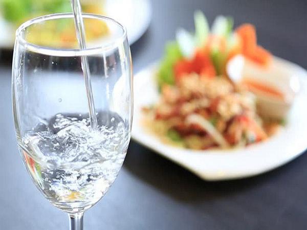 Thói quen gây tổn hại sức khỏe không nên làm sau bữa ăn