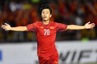 Dính chấn thương nặng, Phan Văn Đức phải nghỉ hết mùa giải