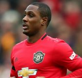 Tin bóng đá tối 25/3: Ferdinand khuyên MU mua đứt Ighalo