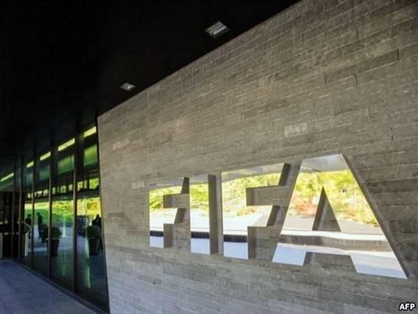 Tin bóng đá tối 14/4: FIFA có thể cho ra đời kỳ chuyển nhượng thứ 3