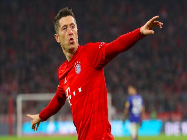 Tin bóng đá 24/8: Lewandowski phá vỡ thế thống trị của Ronaldo và Messi