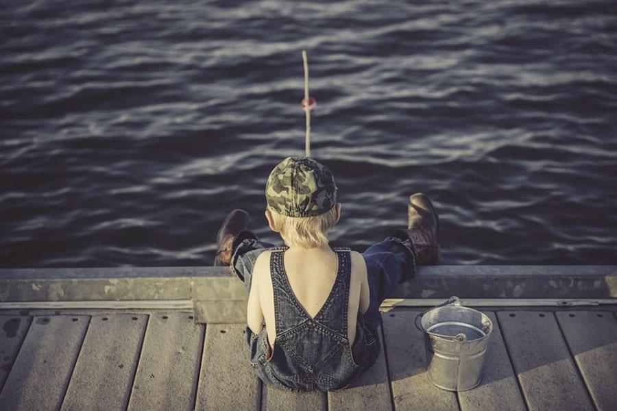 Mơ thấy bắt cá điềm báo gì đánh con gì chắc trúng?